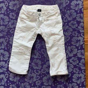 White jean patch work capri